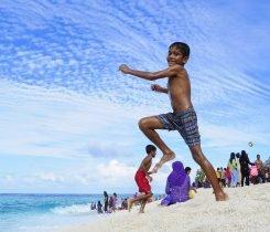 Maledivisches Kind