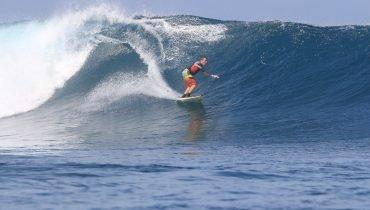 Großer Swell auf den Mentawai-Inseln
