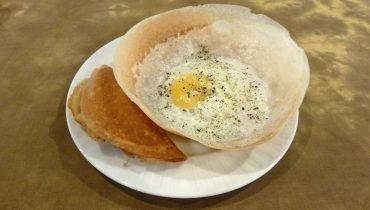 Traditionelle Egg Rottis