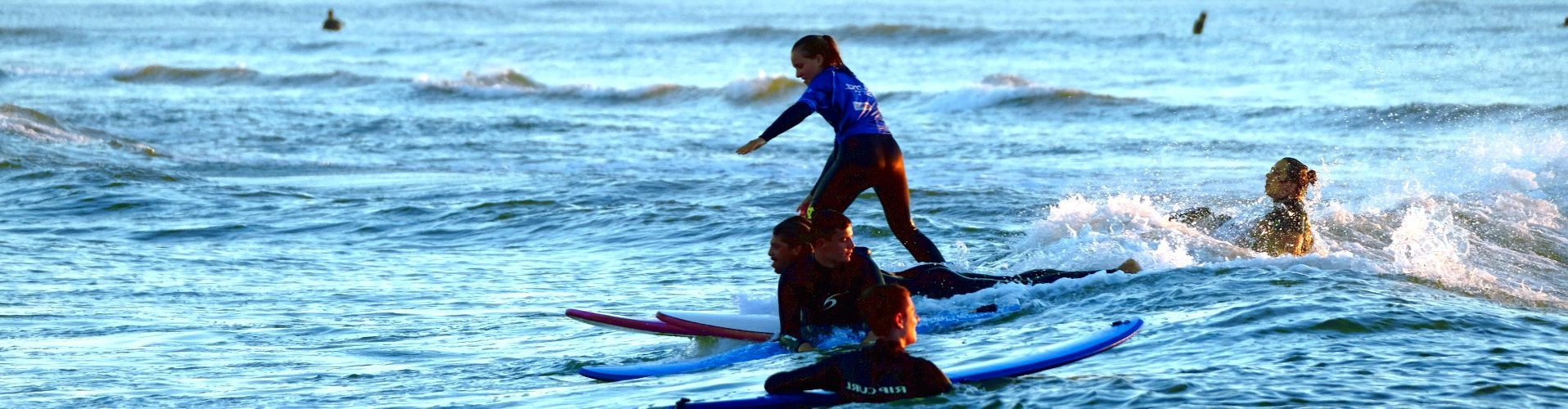 Junior surf school in France